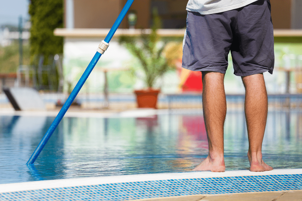 The 6 Best Pool Pole Reviews 2019 & Buying Guide