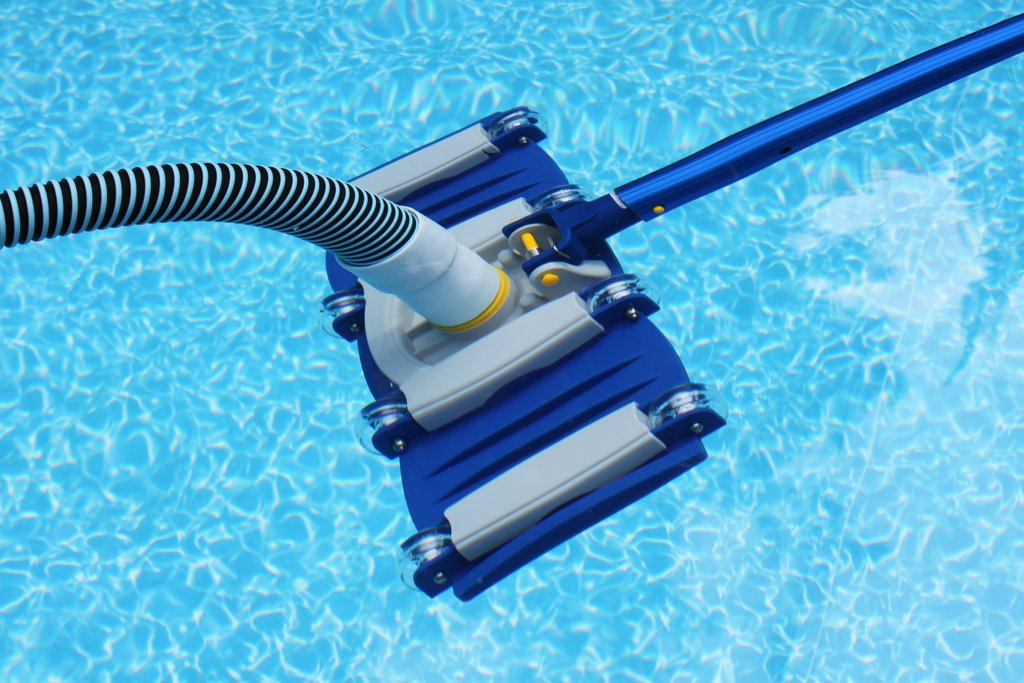 Top 12 Best Pool Vacuum Heads Reviews For 2019