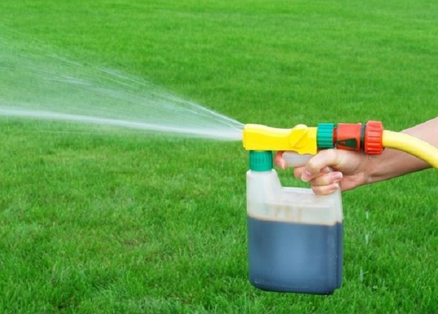 Liquid Lawn Fertilizer