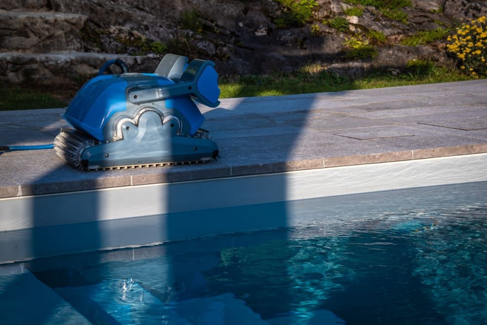 The 7 Best Dolphin Pool Cleaner Reviews 2019 & Top Pick