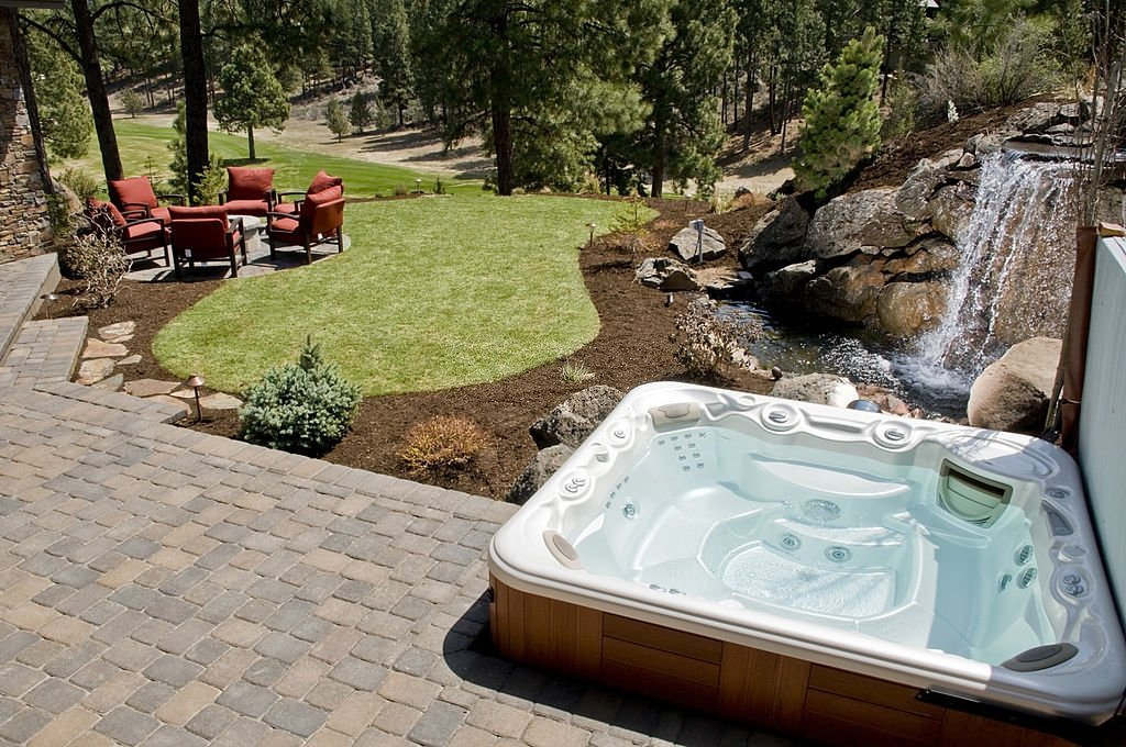 4 Person Hot Tubs