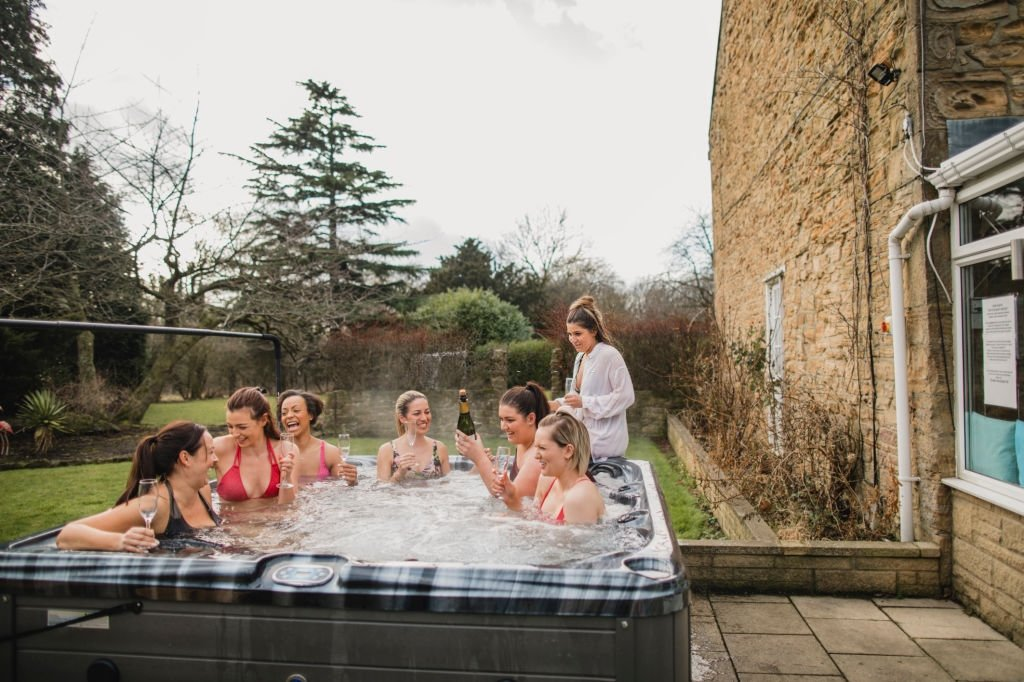 Best 6 Person Hot Tub
